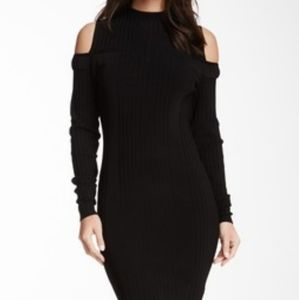 Rachel Roy - Cold Shoulder Ribbed midi Dress